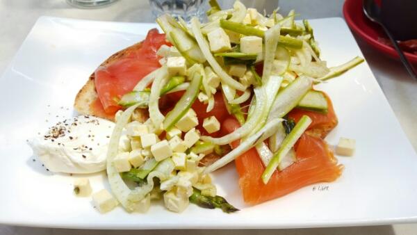 Salmon & Asparagus by LilePR