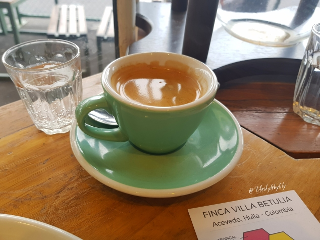breakfast,food blogger,lifestyle by lily,Melbourne,collective espresso, gravity waffles, camberwell