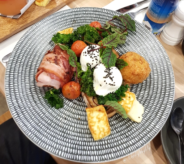 lifestyle by lily, food blogger, melbourne, breakfast, melbourne food blogger, hunter lane, rosanna, breakfast board